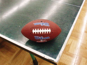卓球台とフットボール