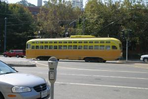 サンフランシスコ市内を走る路面電車